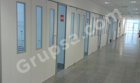 Puerta Acordeón para UCI